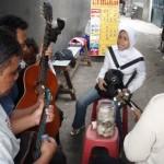 Tjroeng Ikut Menyanyi