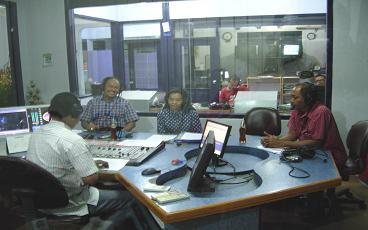 Tjroeng di Radio Suara Surabaya